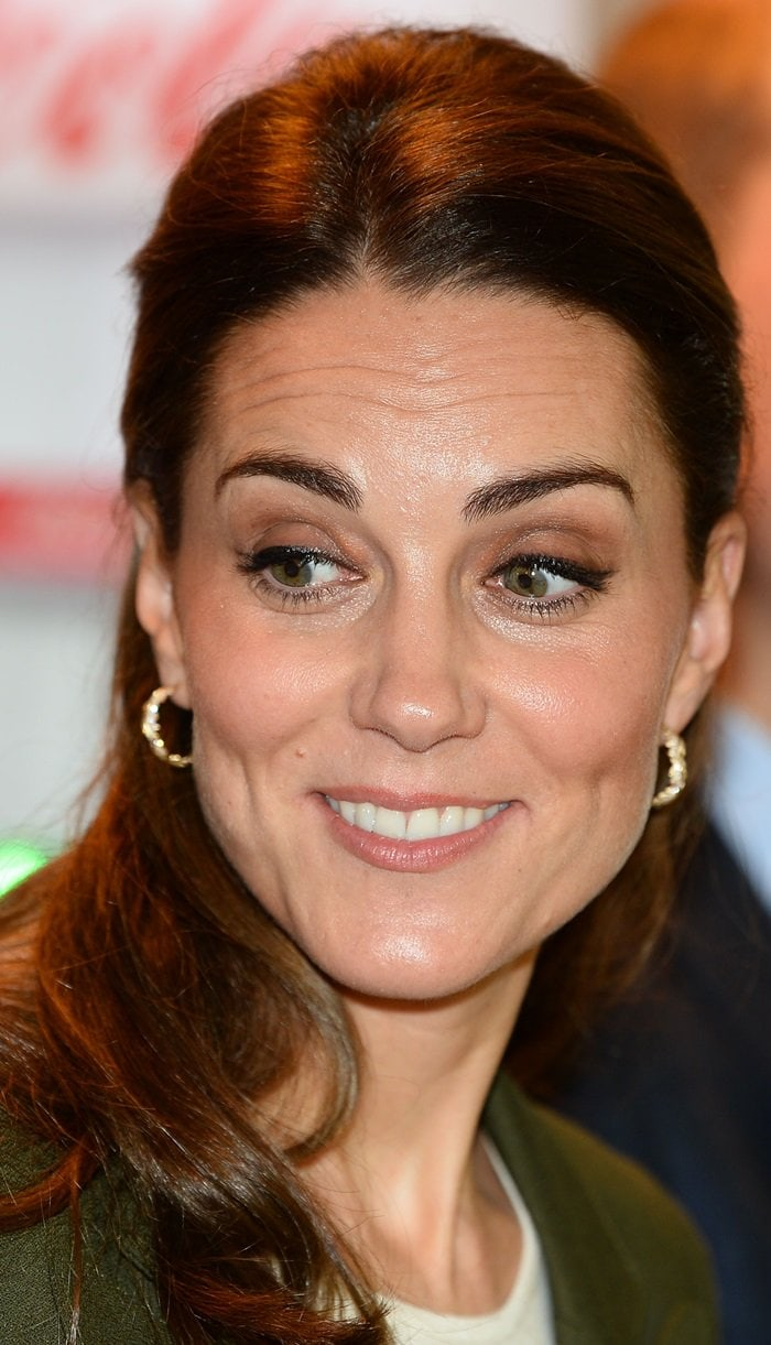 Kate Middleton's Asprey 14k gold and diamond oak leaf earrings