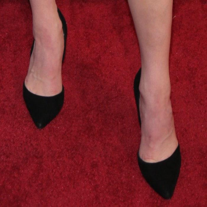 Katherine McNamara's sexy toe cleavage in suede Steve Madden pumps
