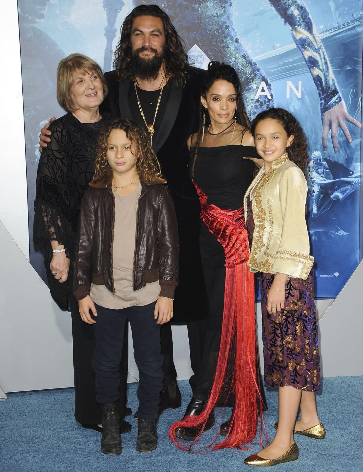 Jason Momoa with his mom Coni Momoa, his son Nakoa-Wolf Manakauapo Namakaeha Momoa, his wife Lisa Bonet, and his daughter Lola Iolani Momoa