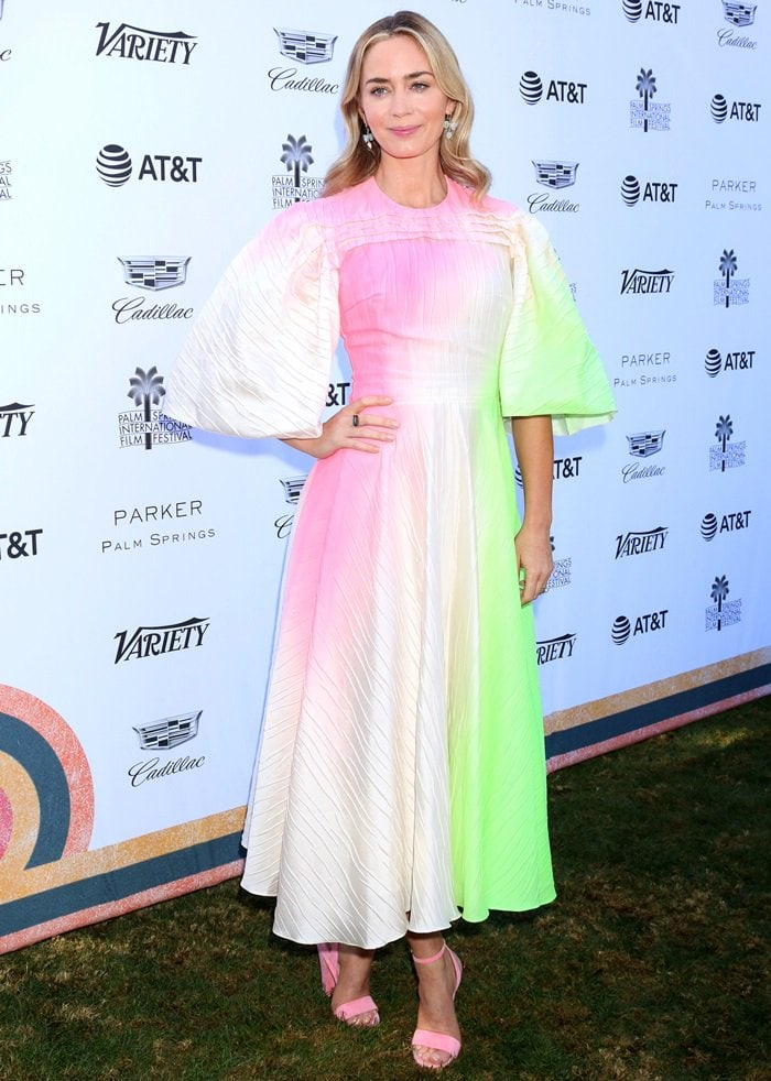 Emily Blunt S Pretty Feet In Pink Crawford Sandals By