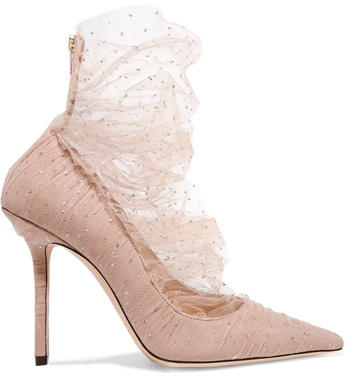 This feminine ballet pink Lavish pump features a tulle overlay that offers a light sexy coverage to the foot, enveloping the ankle in a breath of ballet pink and gold glitter mesh