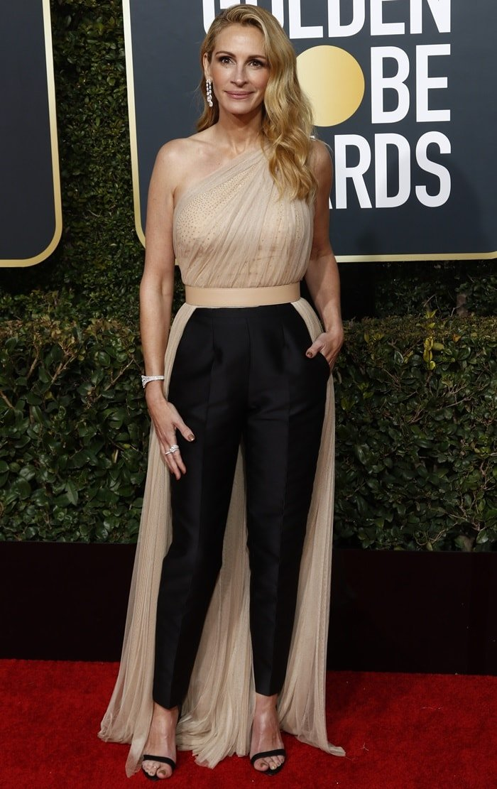 Julia Roberts in a perfectly tailored Stella McCartney jumpsuit