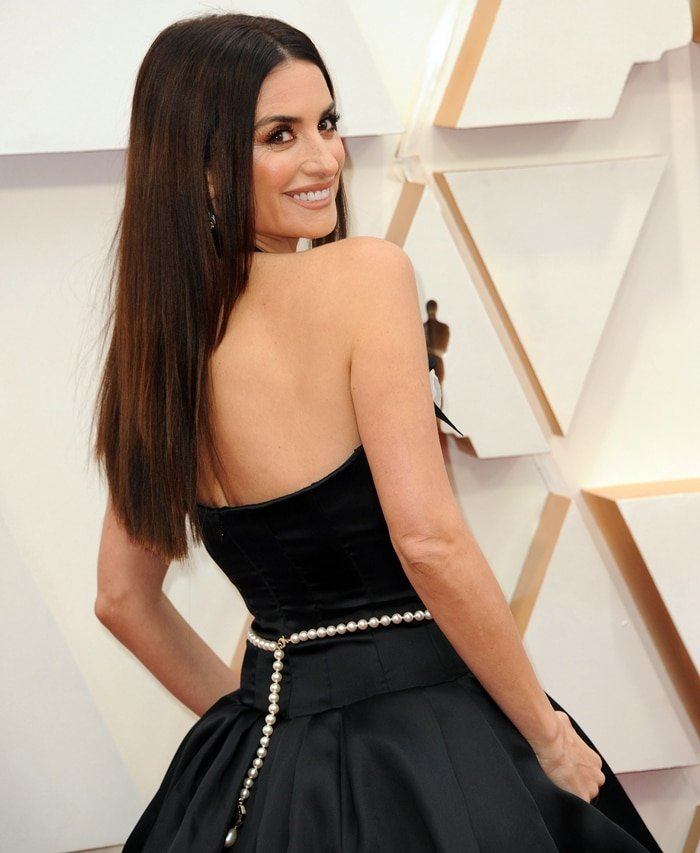 Penelope Cruz, who won the Best Supporting Actress Oscar in 2008 for her work in Vicky Cristina Barcelona, wore a Chanel dress at the 2020 Academy Awards