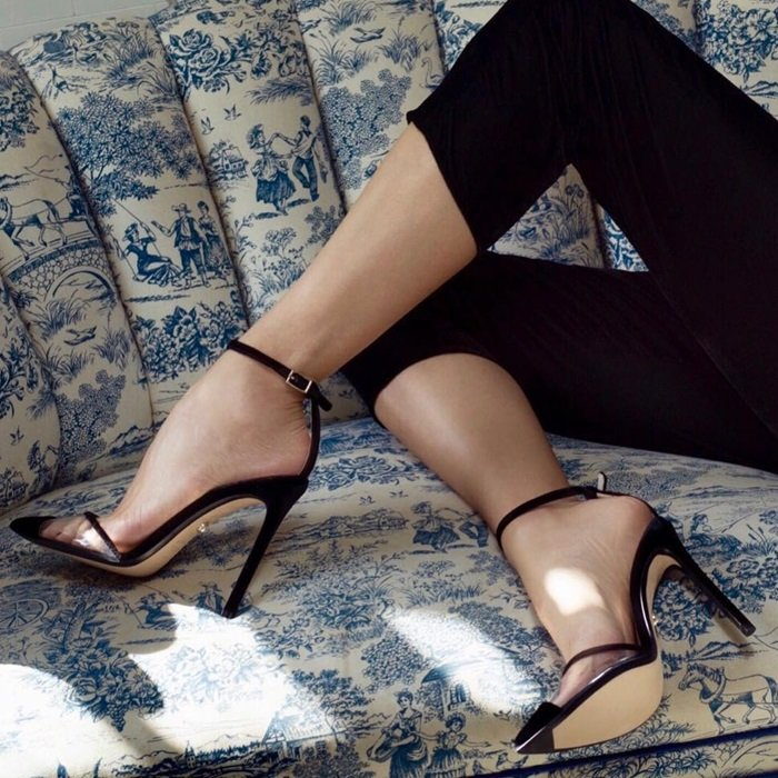 This elegant Italian-made pair is finished with a leg-lengthening stiletto heel