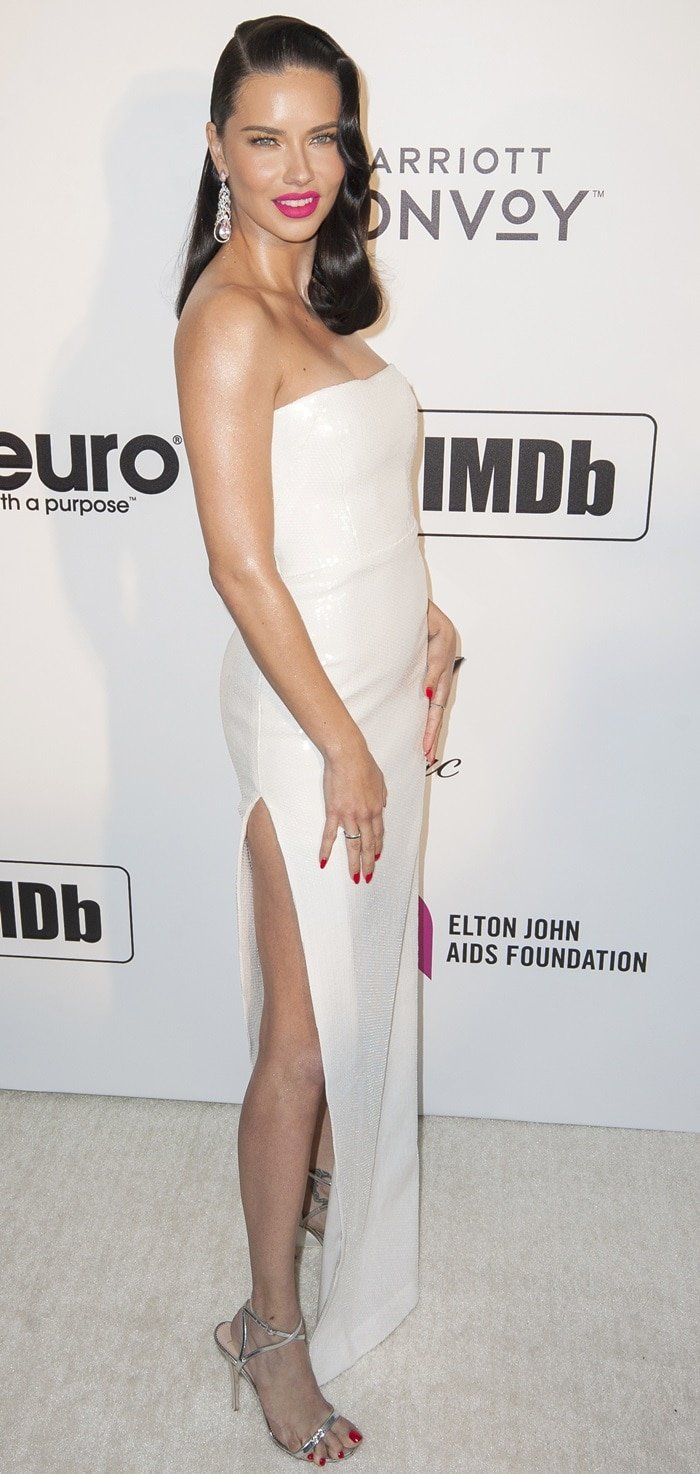 Adriana Lima flashed her leg at the Elton John AIDS Foundation Academy Awards Viewing Party