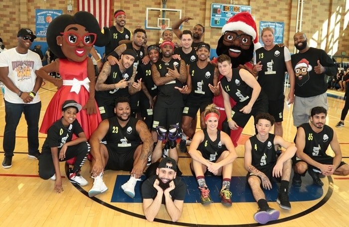 Baron Davis hosts the UWish Presents: The Black Santa Celebrity Basketball Game at University High School on December 16, 2018 in Los Angeles, California