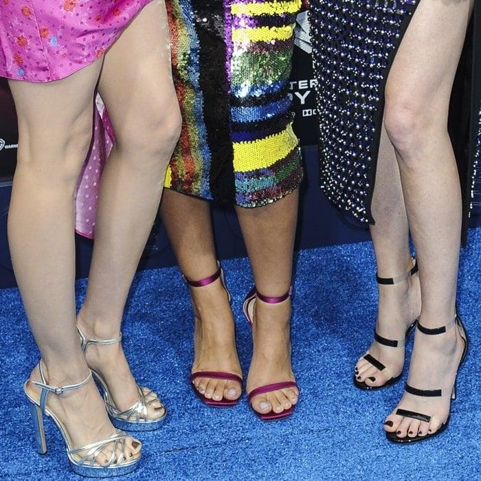 Elizabeth Banks, Alison Brie, Stephanie Beatriz show off their hot feet