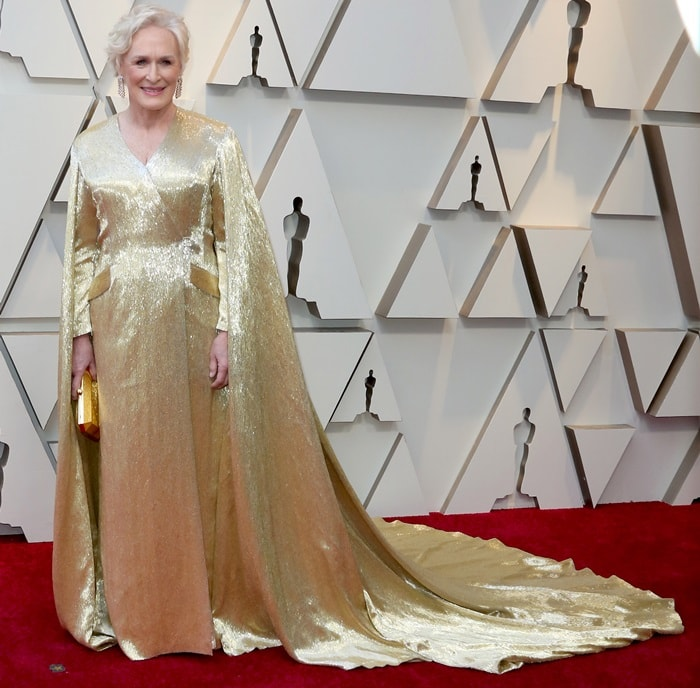 Glenn Close in a long gold cape at the 2019 Academy Awards at the Dolby Theatre in Los Angeles on February 24, 2019