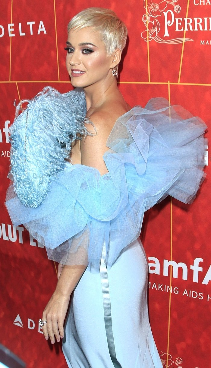 Katy Perry's custom feather-embellished Alexis Mabille Fall 2018 Haute Couture gown