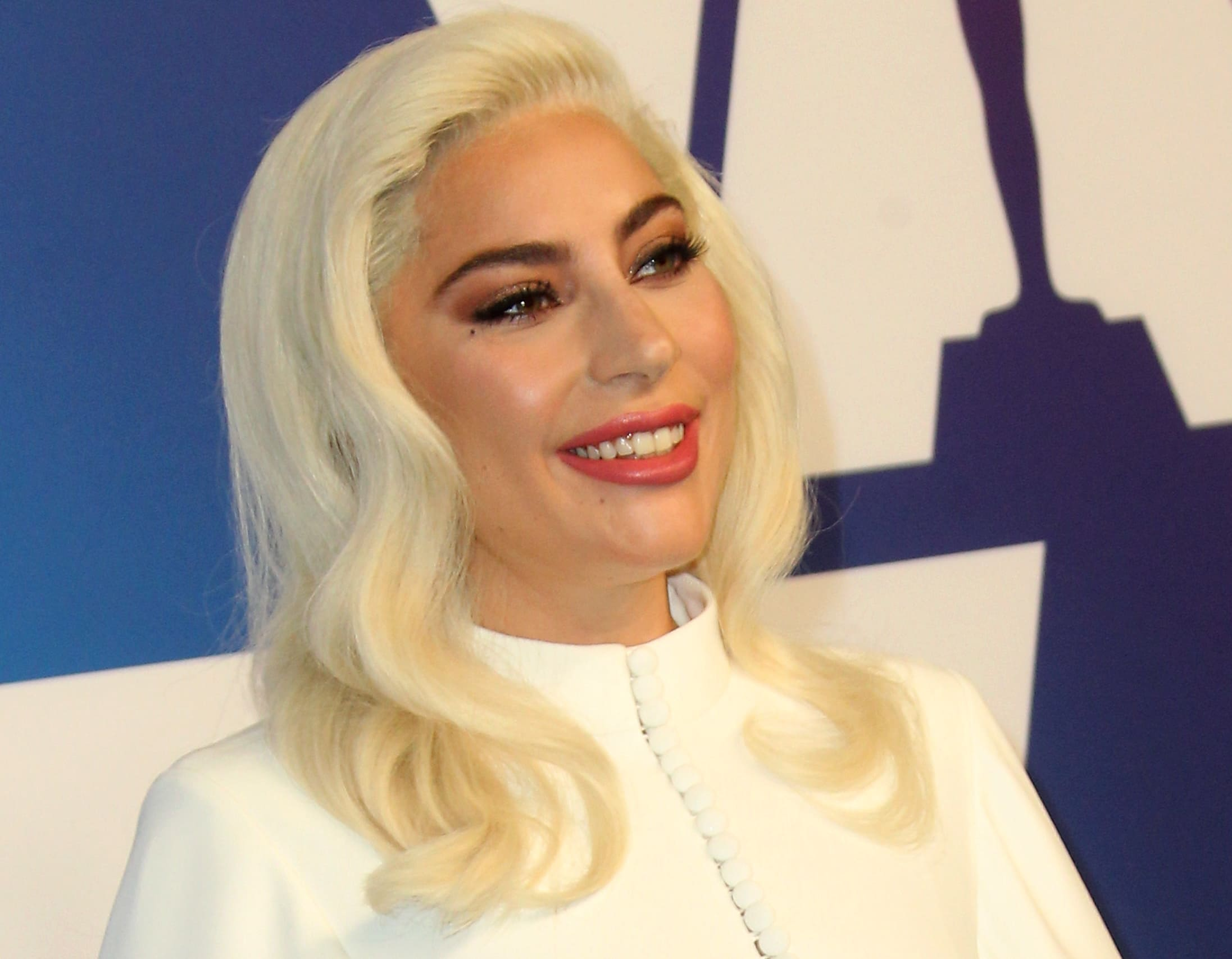 Lady Gaga with too much makeup at the 2019 Oscar Nominees Luncheon