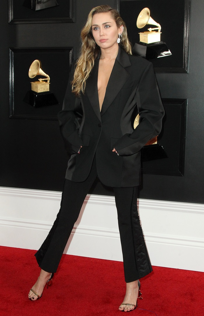 Miley Cyrus wore a lightly structured loose blazer and crop pants by Mugler
