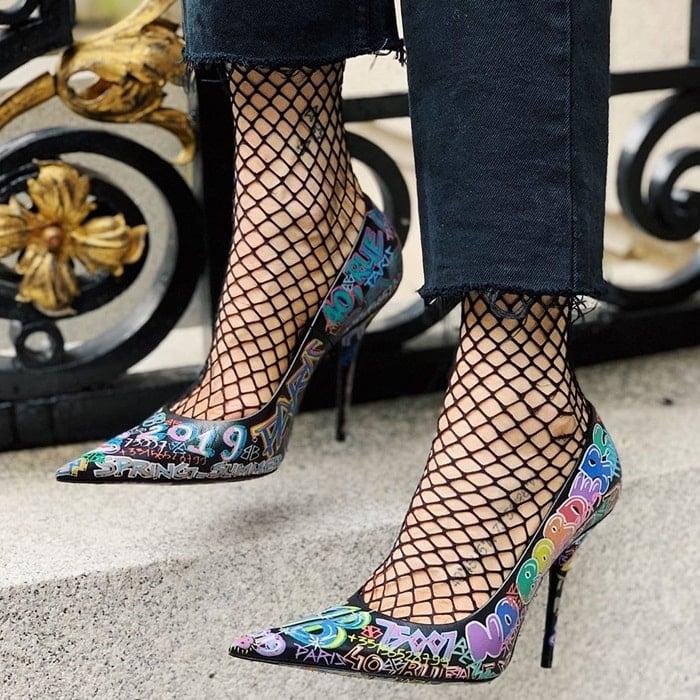 Drawing inspiration from street-style DIY embellishments, Demna Gvasalia translates the trend to a razor-sharp pointy-toe pump
