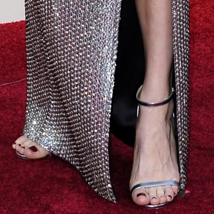 Brie Larson showed off her feet in Jimmy Choo sandals