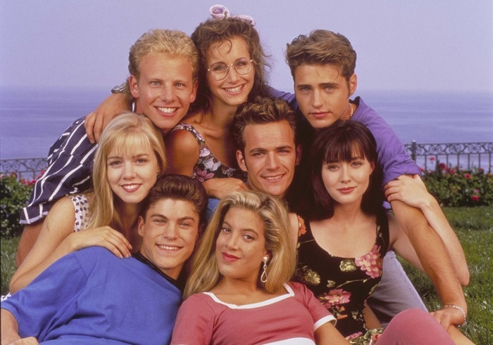 Gabrielle Carteris (as Andrea Zuckerman), Jason Priestly (as Brandon Walsh), Shannen Doherty (as Brenda Walsh), Luke Perry (as Dylan McKay), Tori Spelling (as Donna Martin), Brian Austin Green (as David Silver), Jennie Garth (as Kelly Taylor), Ian Ziering (as Steve Sanders) Beverly Hills 90210 (FOX) in the early days 1990-1994
