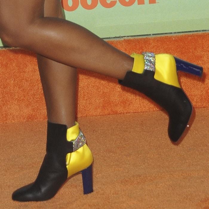 Janelle Monae showed off her embellished Ecuyera boots