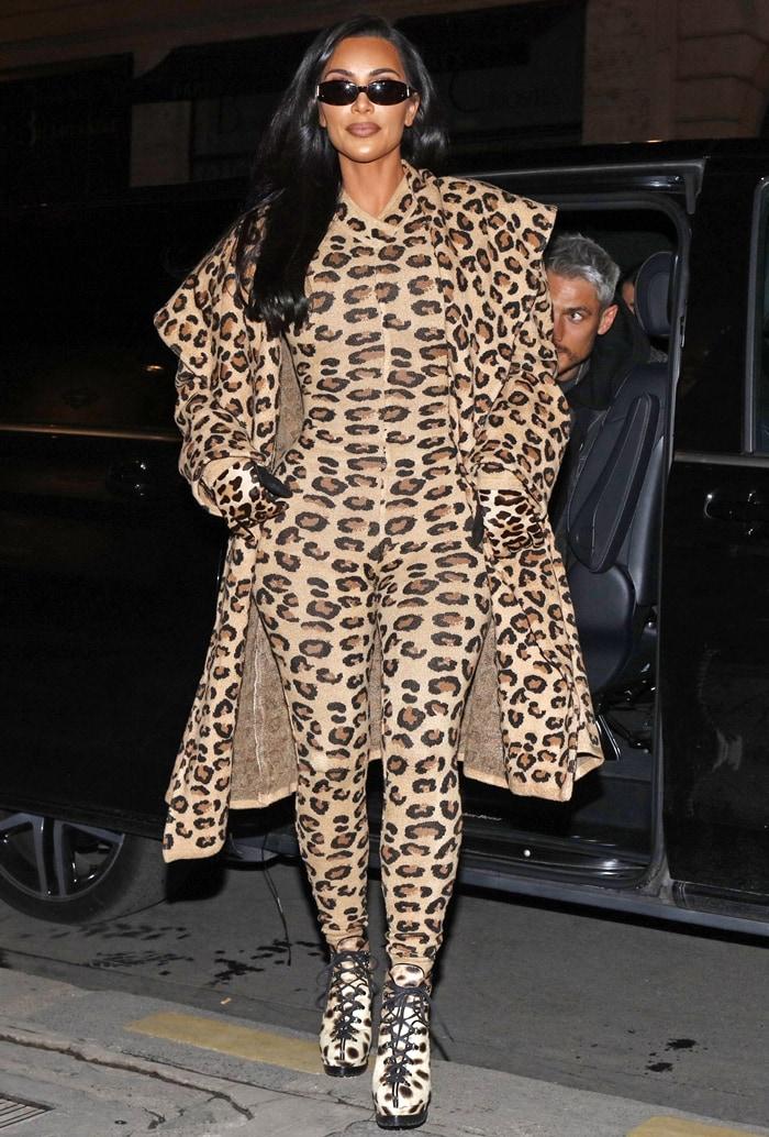 Kim Kardashian tries to dress as a leopard in Paris