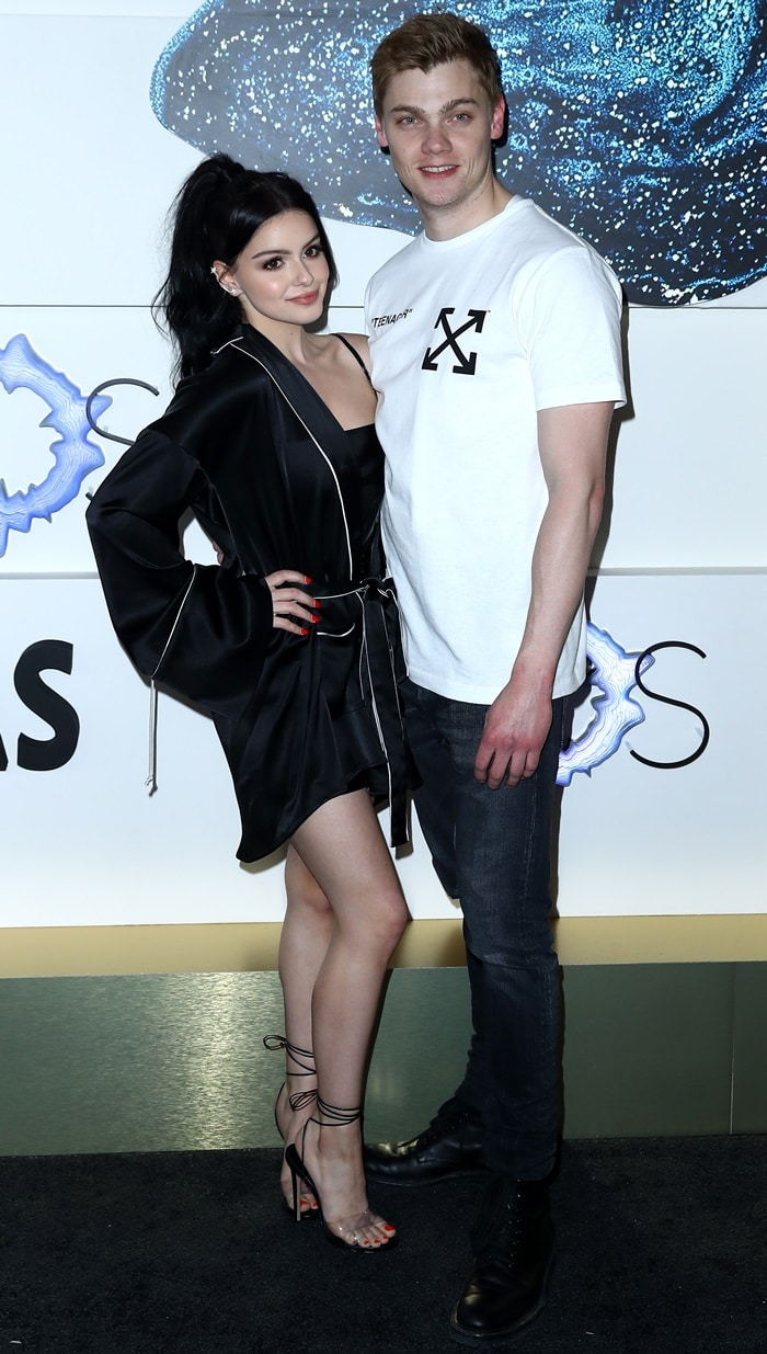 Ariel Winter posing with her boyfriend Levi Meaden at the Grand Opening of the KAOS Dayclub & Nightclub at the Palms Casino Resort in Las Vegas on April 5, 2019