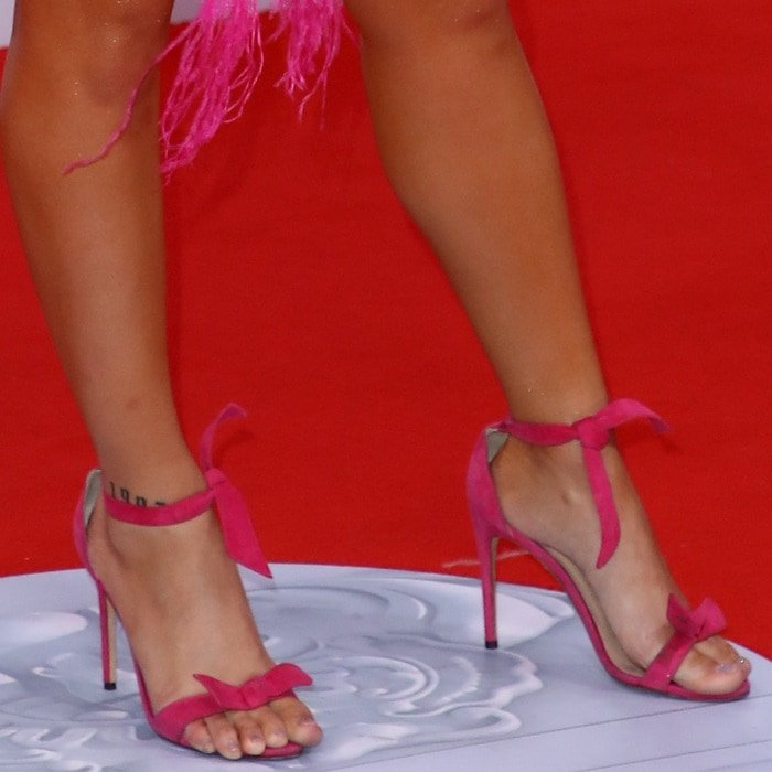 Becky G's sexy feet in pink leather Clarita sandals