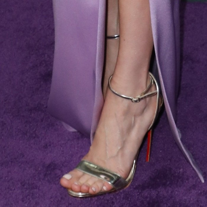 Brie Larson may have had her toes fixed for the movie premiere