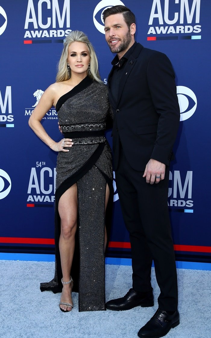 Carrie Underwood and her husband Mike Fisher at the 2019 Academy of Country Music Awards at the MGM Grand Garden Arena in Las Vegas on April 7, 2019
