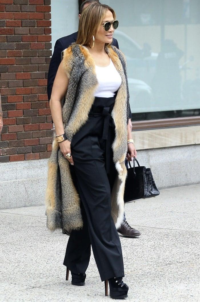 Jennifer Lopez rocked ridiculously high hiking boots