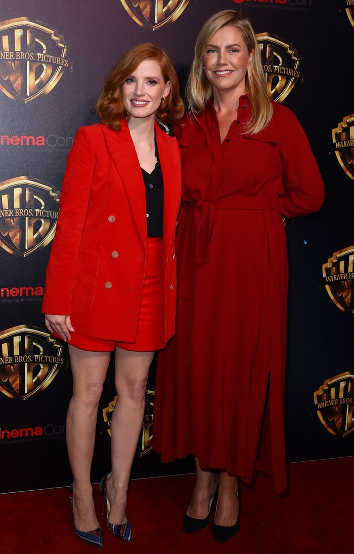 Jessica Chastain posing with Barbara Muschietti, an Argentine film producer and screenwriter