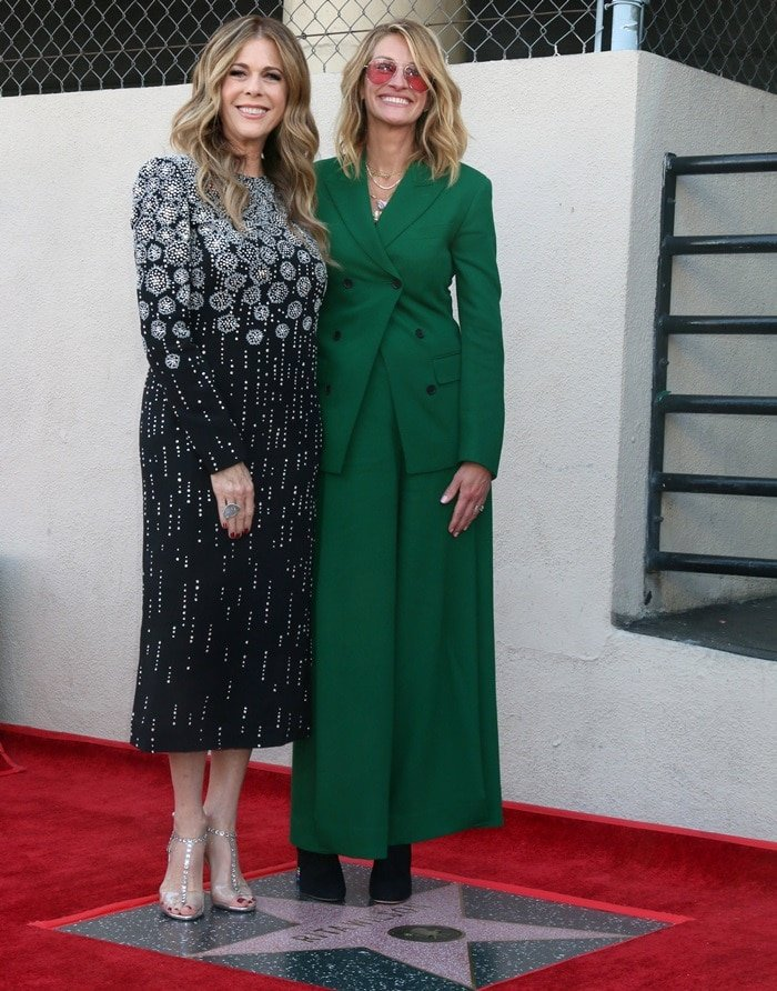 Julia Roberts donned a custom green Salvatore Ferragamo double-breasted tailored suit