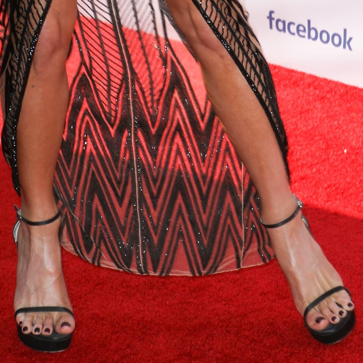 Kate Beckinsale showed off her feet in black Nudist Disco platform ankle-strap sandals