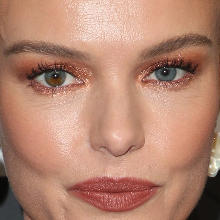Kate Bosworth has two different colored eyes