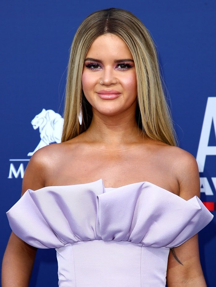 Maren Morris accessorized with jewelry by L'Dezen, Djula, and Stefere