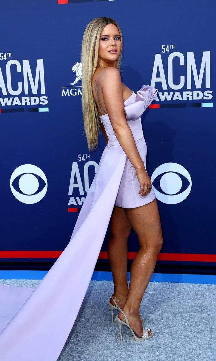 Maren Morris paraded her legs at the 2019 Academy of Country Music Awards at the MGM Grand Garden Arena in Las Vegas on April 7, 2019