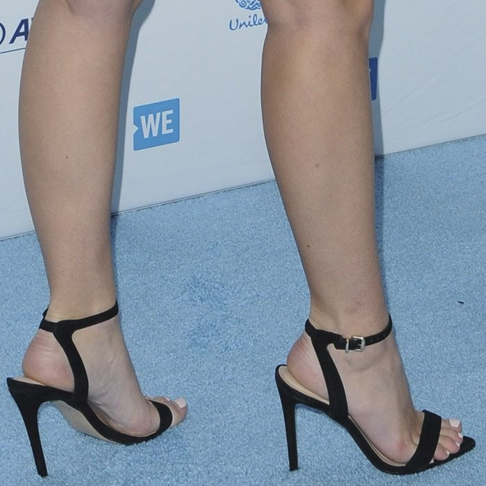 Olivia Holt's hot feet in sexy Bravyan sandals from Aldo