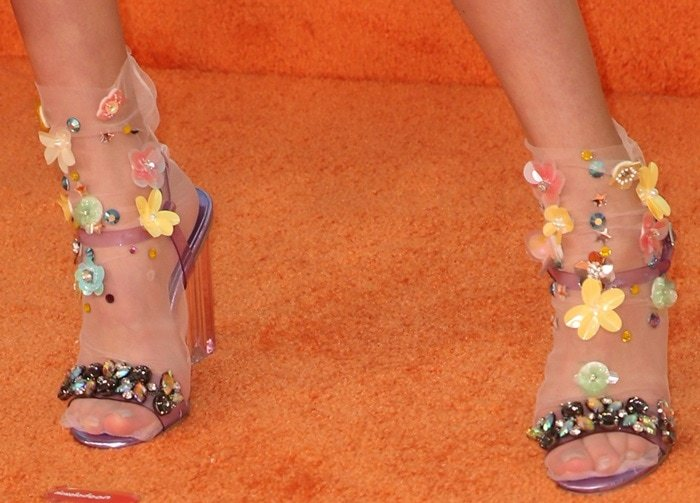 Ruby Rose Turner S Pretty Feet In Sugar Thrillz Look And