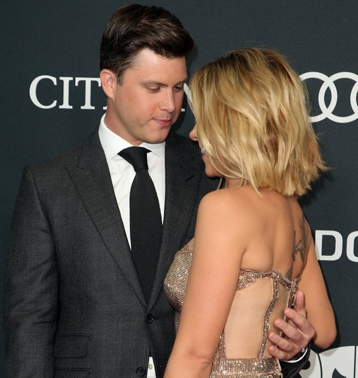 Scarlett Johansson and her comedian boyfriend Colin Jost did their best to look in love