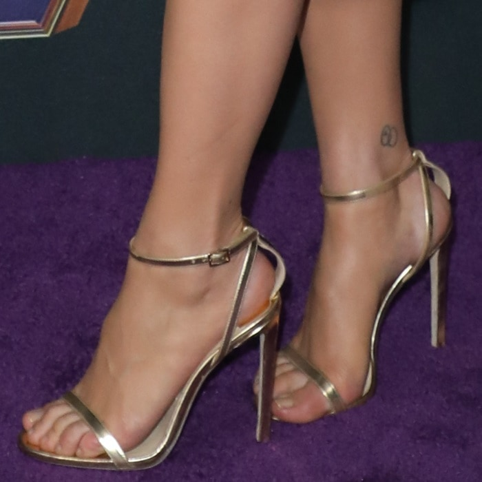Scarlett Johansson has two interlocking circles inked on her right ankle