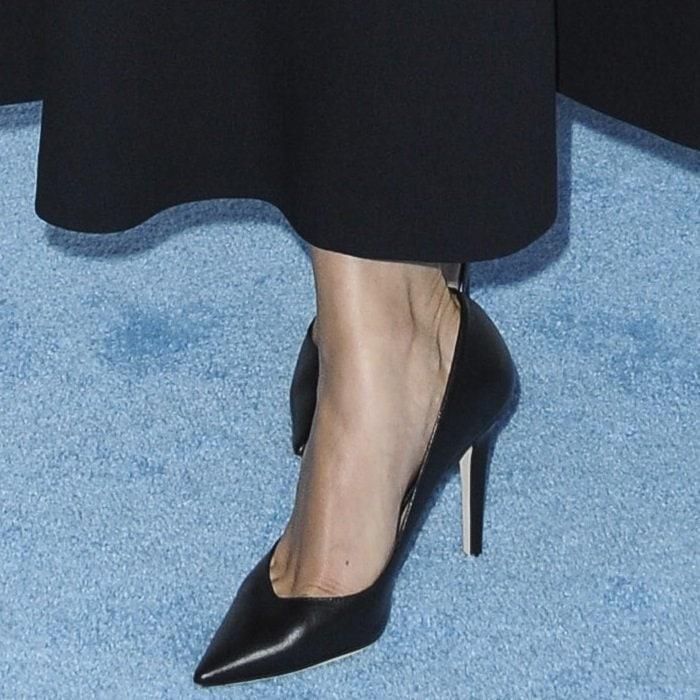 Selena Gomez showed off her pretty feet in black Tamara Mellon Vamp pumps