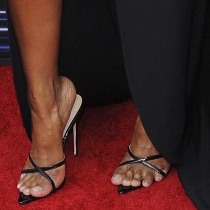 Ciara showed off her toes on the red carpet