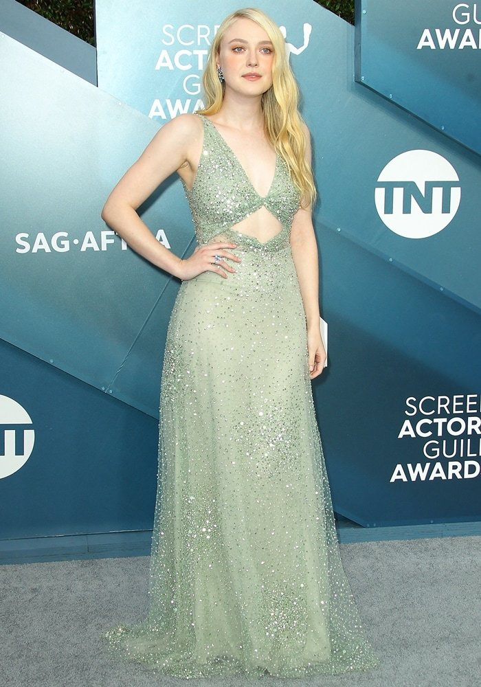 Dakota Fanning channeled that Old Hollywood glamour in a Valentino dress with Fred Leighton jewelry, and Sophia Webster shoes for the 2020 Screen Actors Guild Awards