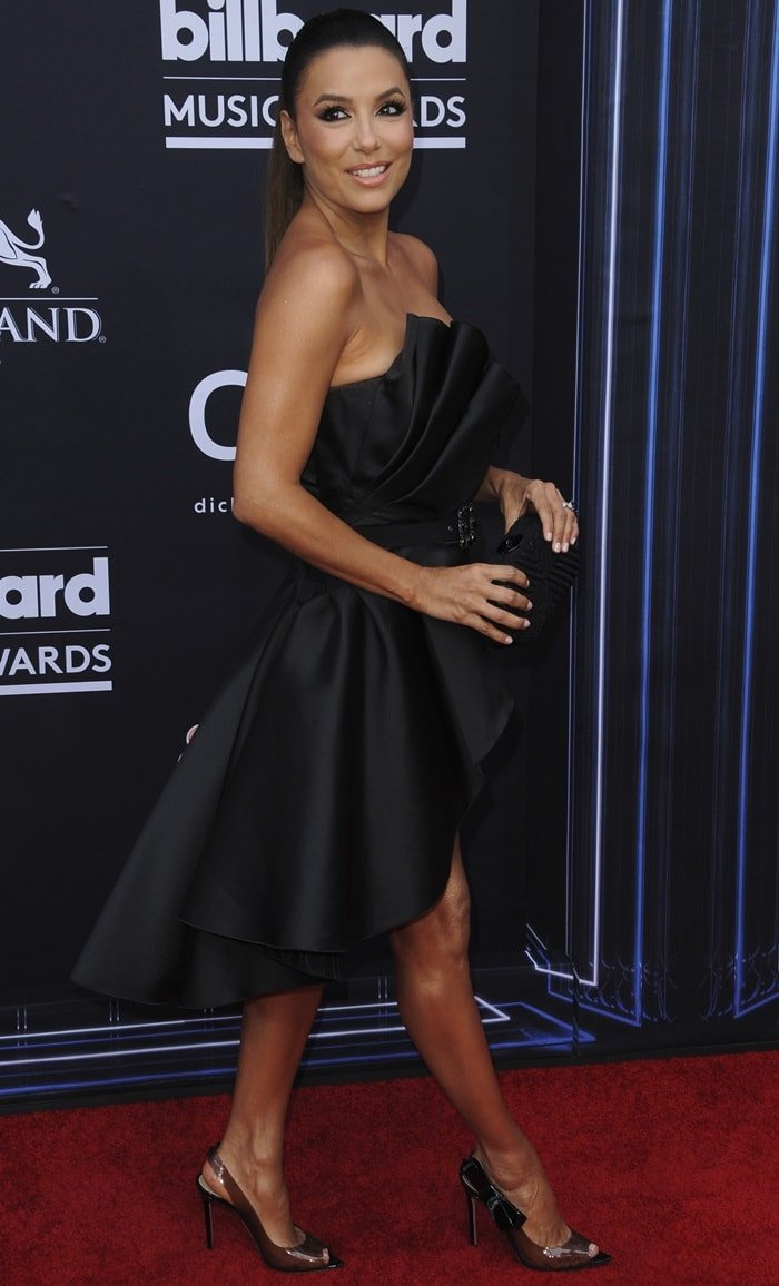 Eva Longoria paraded her endless legs at the 2019 Billboard Music Awards