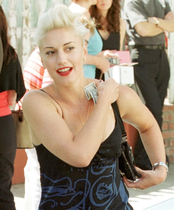 Gwen Stefani leaving the Beverly Hills Ivy after lunch with a friend on April 25, 2001