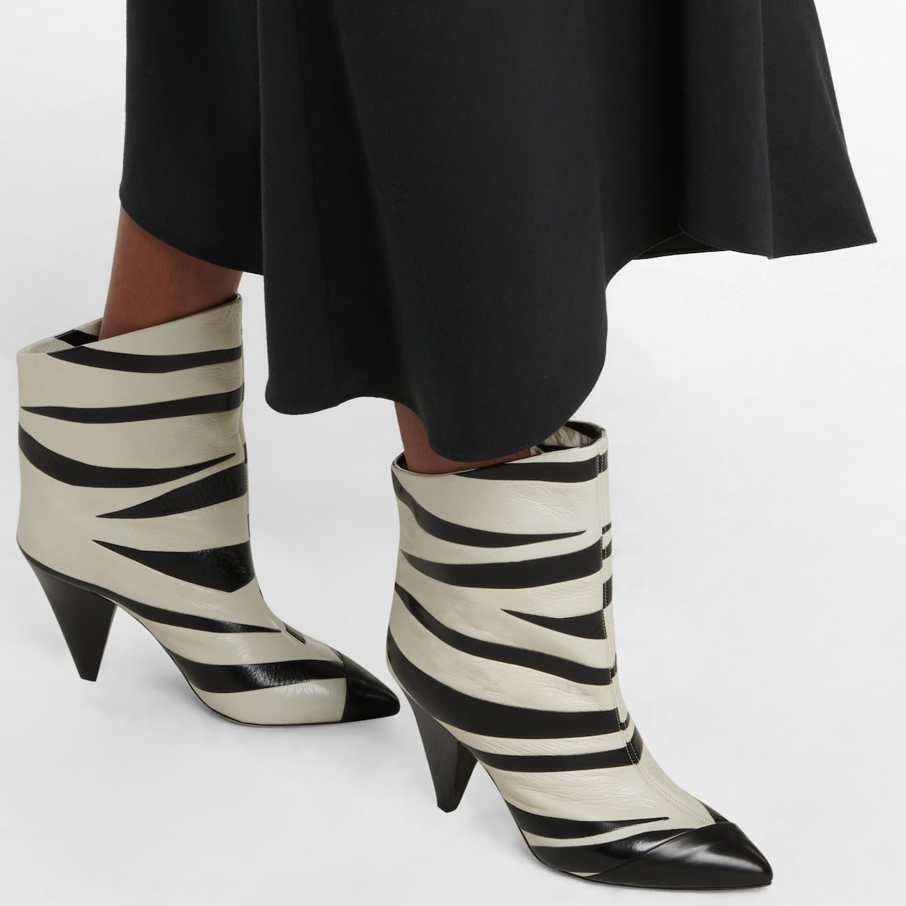 Above ankle-height boots with soft lambskin leather linings and uppers