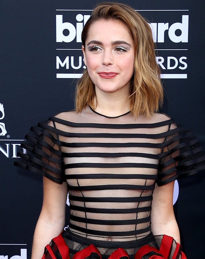 Kiernan Shipka's belly button at the 2019 Billboard Music Awards