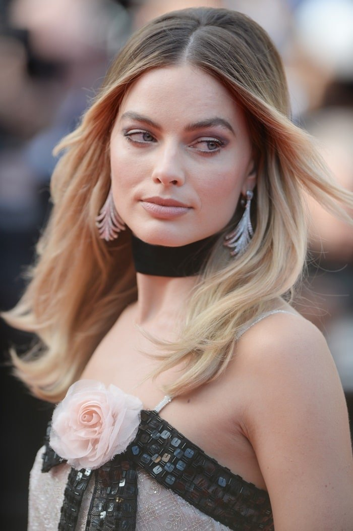 Margot Robbie's art deco earrings at the premiere screening of Once Upon A Time In Hollywood