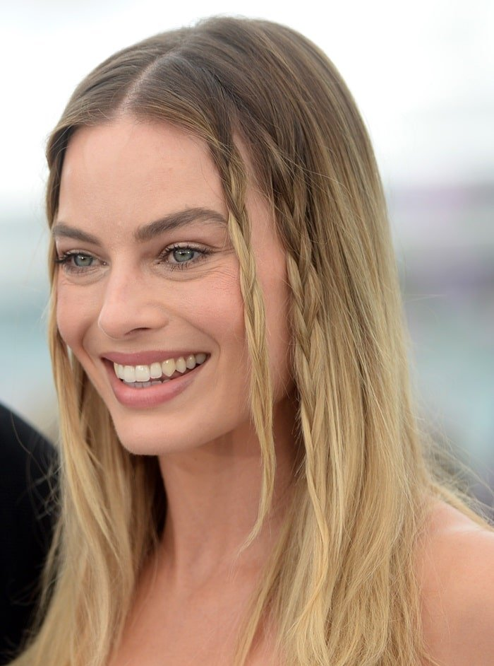 '60s-inspired hairstyle: Margot Robbie's small summery braids