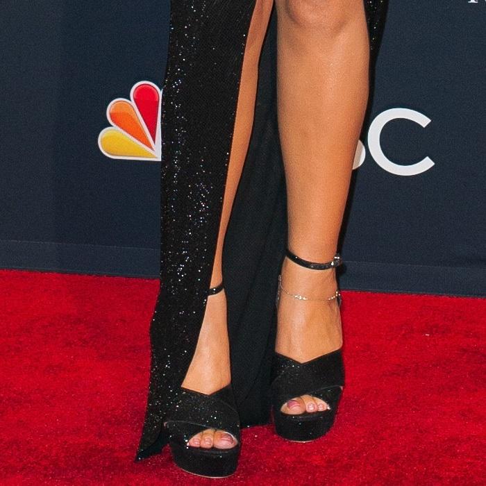 Mariah Carey showed off her feet in Sophia Webster peep-toe heels