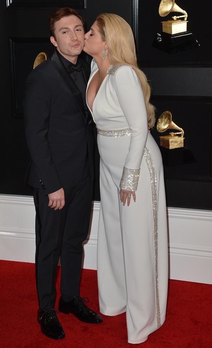 Meghan Trainor gave her husband Daryl Sabara at kiss at the 2019 Grammy Awards