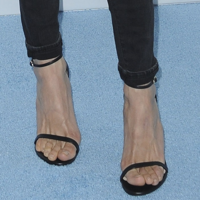Nina Dobrev showed off her feet in Aldo sandals