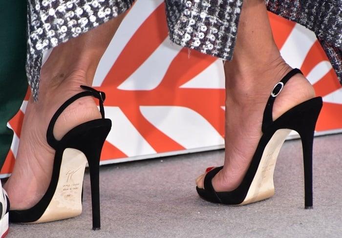 Penelope Cruz's hot feet in Sophie sandals from Giuseppe Zanotti