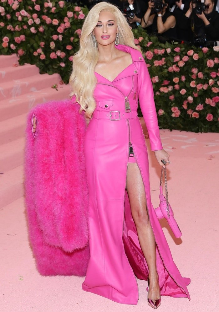 Kacey Musgraves transformed into a life-size Barbie doll at the 2019 Met Gala