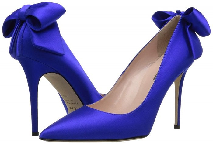 Classic pumps with a large bow and grosgrain trim at the heel